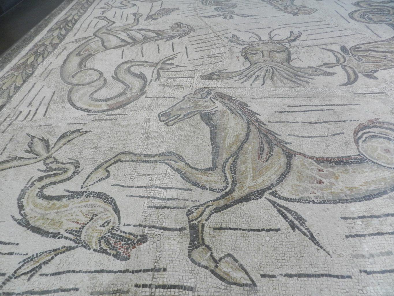 Mosaics in Greece: the aquatic mosaics at Isthmia, near ...
