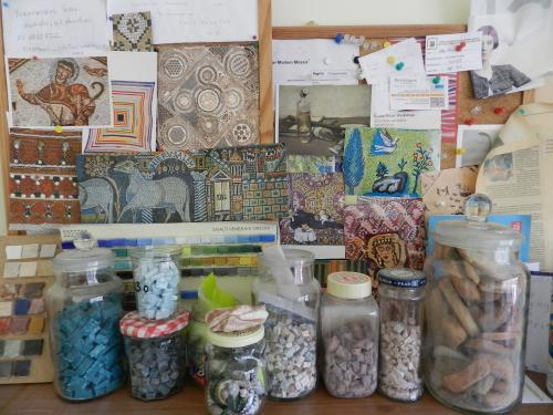 Mosaic resolutions: the cork board