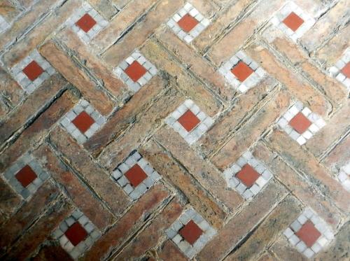 Spotting mosaics in Bologna