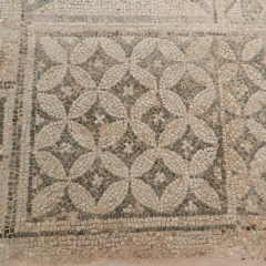 Mosaic floor, 5th century. Byzantine Museum of Thessaloniki.