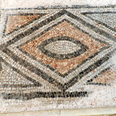 Mosaic floor, 4th century. Byzantine Museum of Thessaloniki.