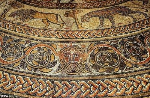 Replica mosaic