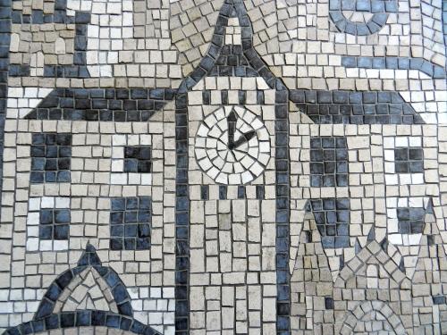 Middleton Lodge, behind Big Ben. Photo: Helen Miles Mosaics