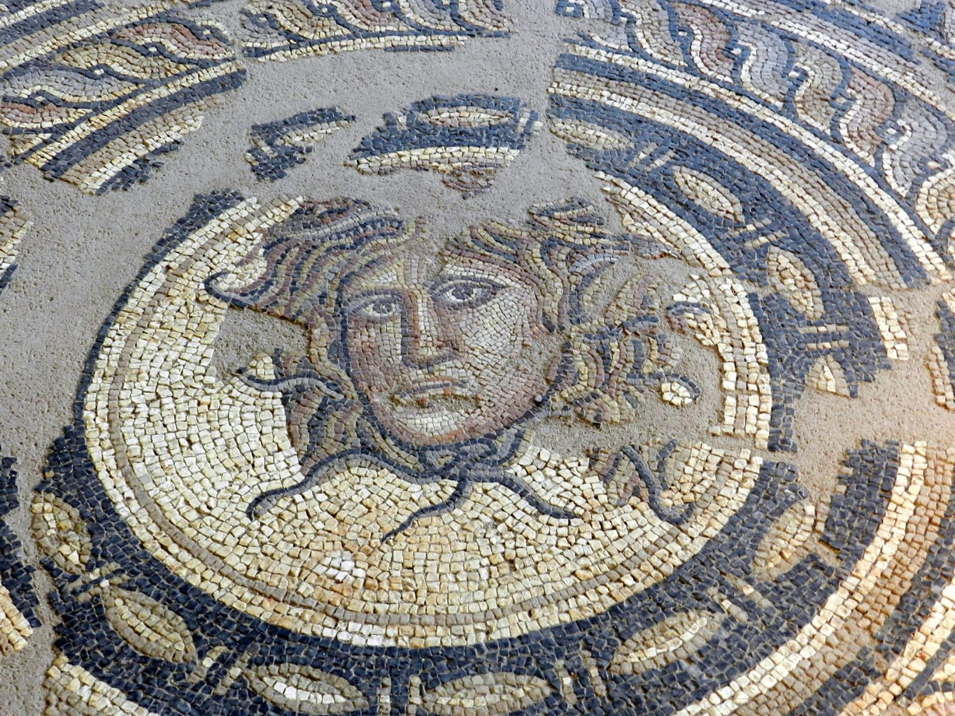 comprehensive guide to the mosaics of greece