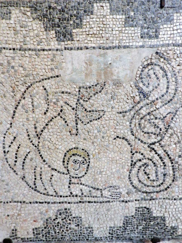 Angel. Mosaics of San Giovanni Evangelista, Ravenna.
