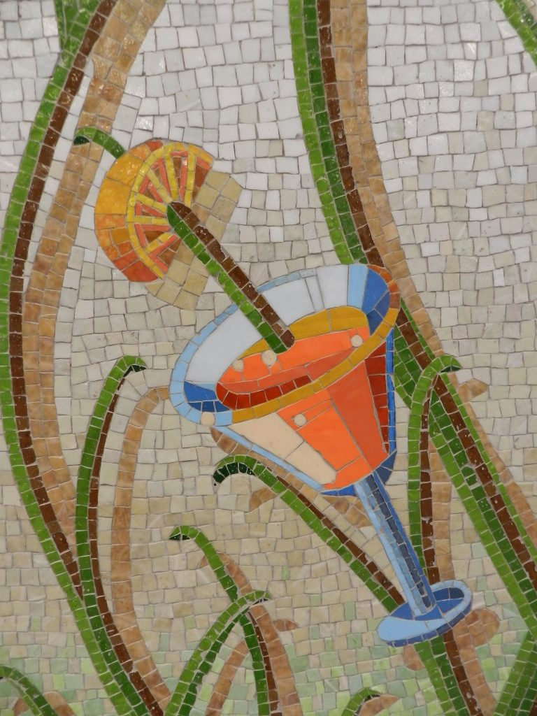Mosaics in Chicago_Bachor's Thrive mosaic, Thorndale station, cocktail detail.