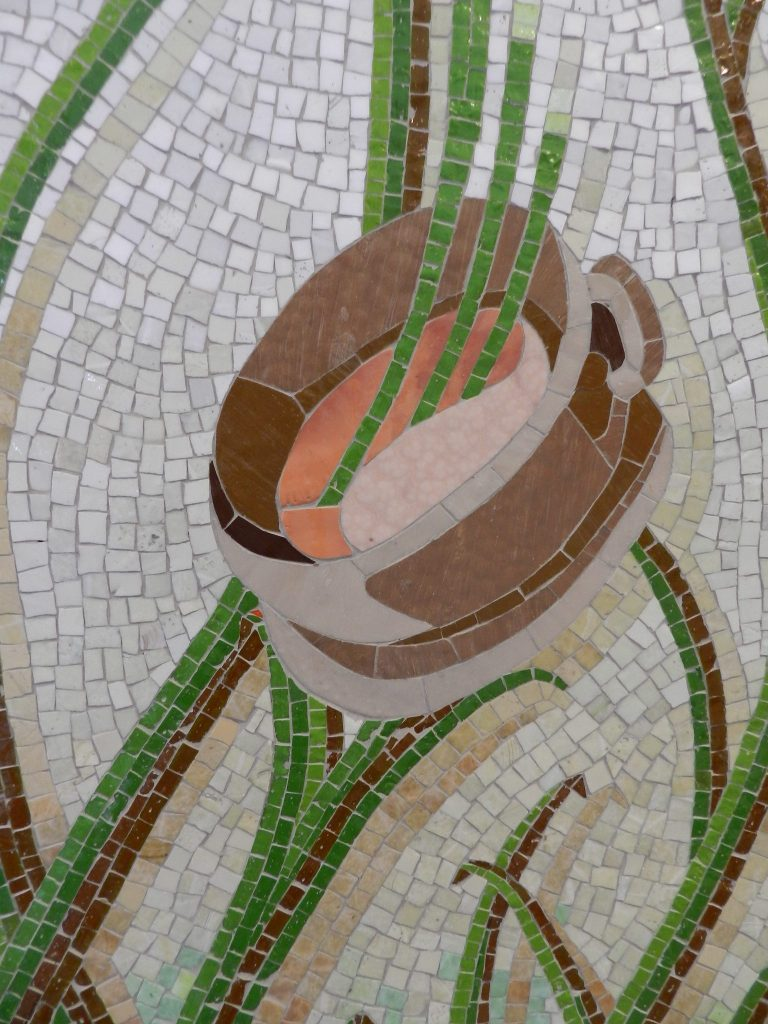 Mosaics in Chicago_Bachor's Thrive mosaic, Thorndale station, coffee detail.