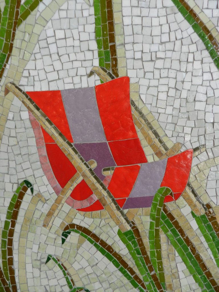 Mosaics in Chicago_Bachor's Thrive mosaic, Thorndale station, desk chair detail.