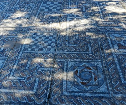 Comprehensive guide to the mosaics of Greece.
