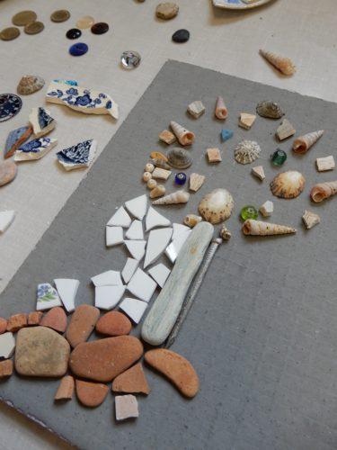 laying out mosaic materials