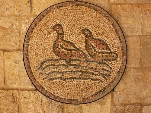 Bettadine Palace, Lebanon. Courtesy of heatheronhertravels, Flickr.