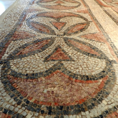 Border pattern. 6th century basilica. Bzyantine Museum of Thessaloniki.