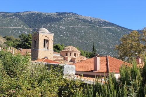 Monastery of Osios Loukas, Greece. Photo: Helen Miles Mosaics