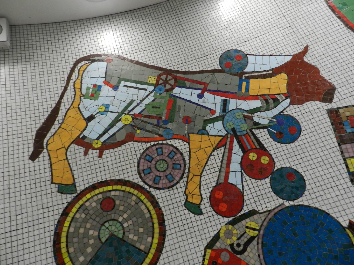 paolozzi mosaics _Rotunda detail_cow