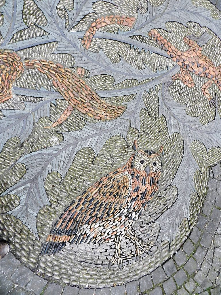 Maggie Howarth, detail of Scottish flora and fauna pebble mosaic. Mosaics of Scotland