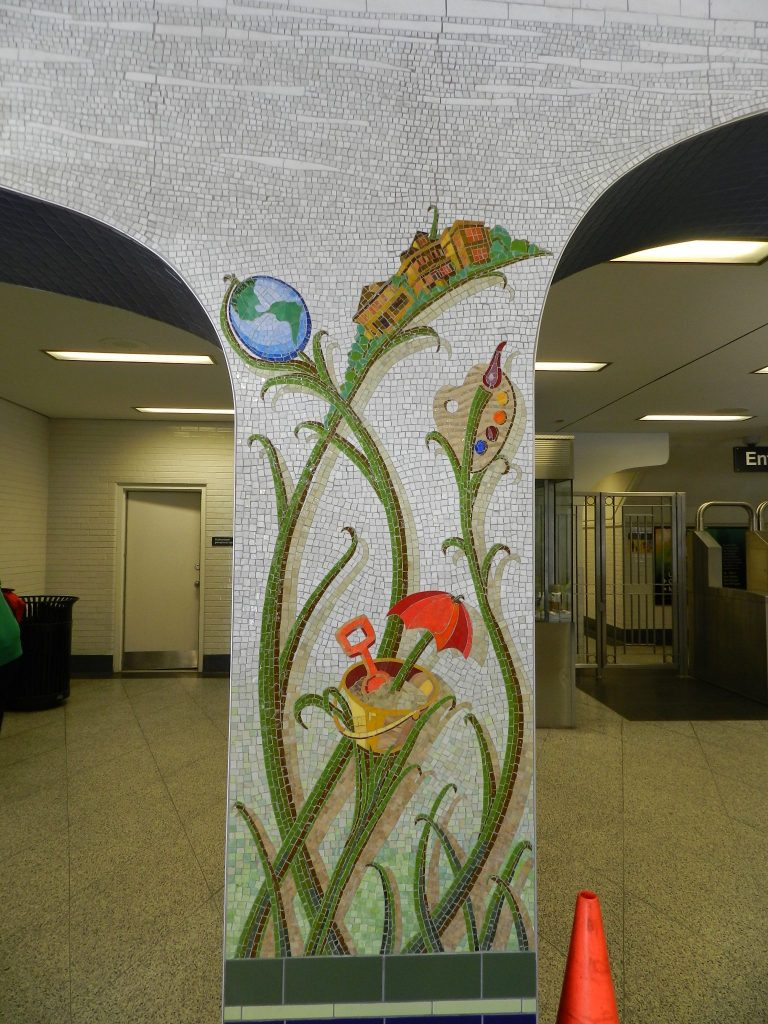 Mosaics in Chicago_Jim Bachor's Thrive mosaic with sand bucket, Thorndale.