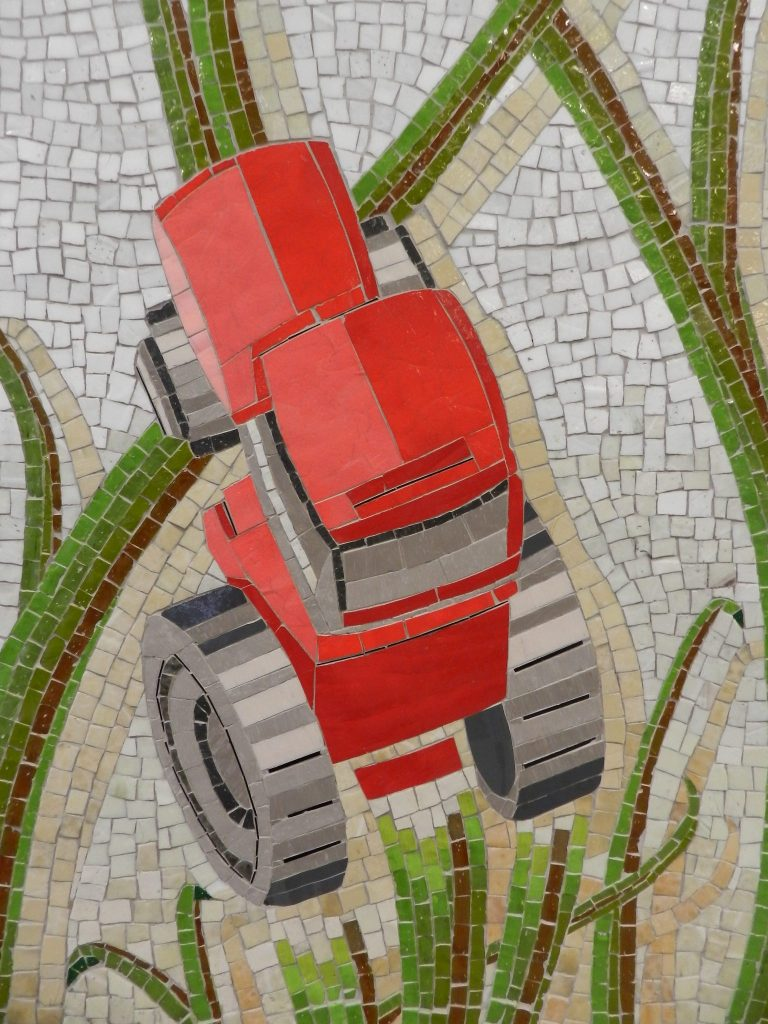 Mosaics in Chicago_Bachor's Thrive mosaic, Thorndale station, tractor detail.