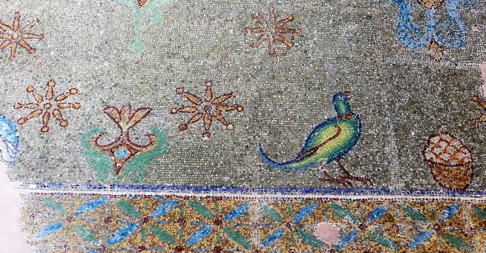 Rotunda mosaics- bird detail